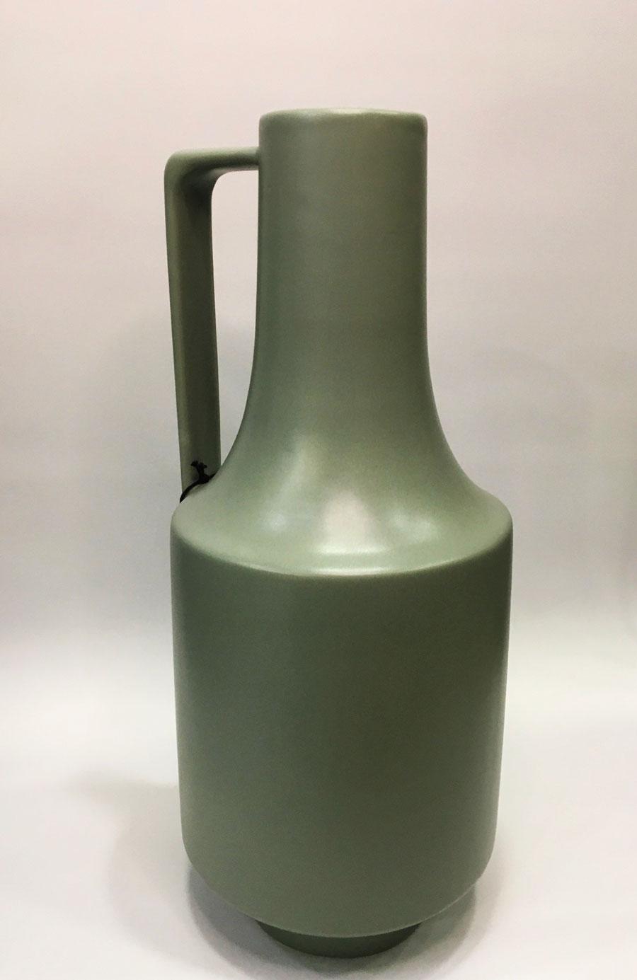 hk-living-Vase-1